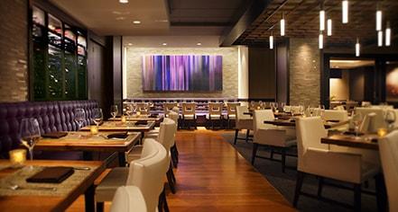Hilton Chicago 720 South Bar Grill