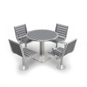 Recycled_Plastic_Table_Chairs_
